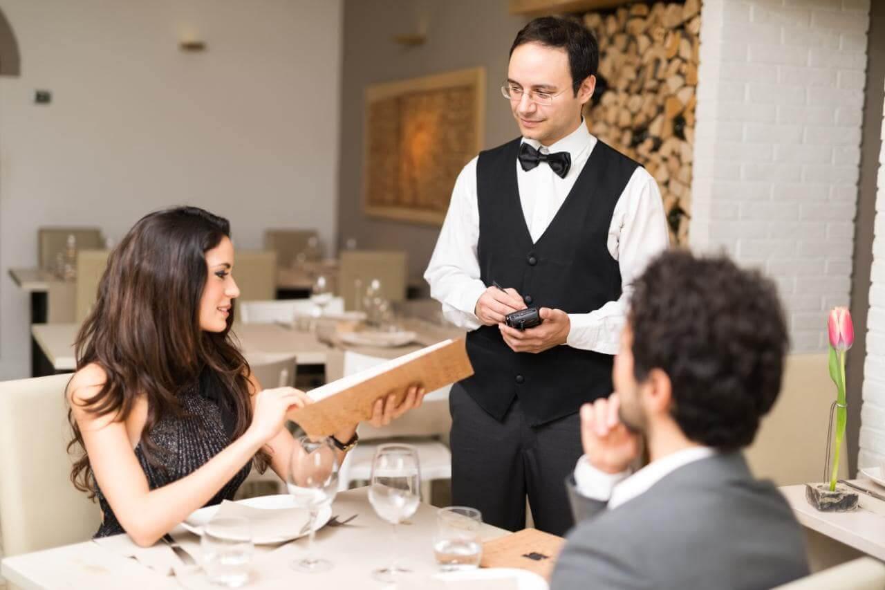 tiếng anh giao tiếp cho nhà hàng khách sạn